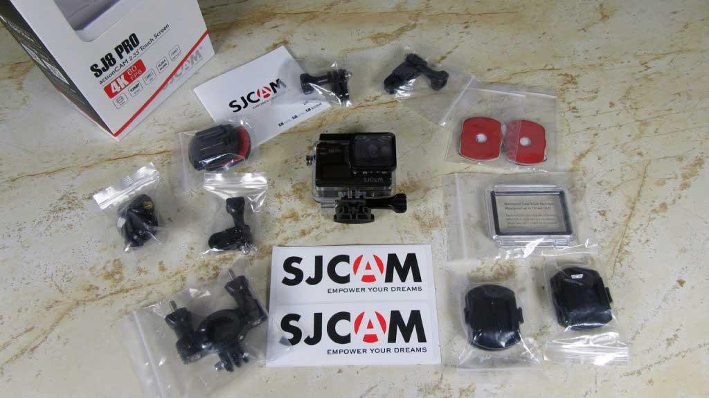 SJCAM SJ8 Pro akciókamera teszt – a csomag tartalma